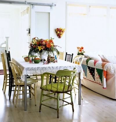 1026161_kitchen-table_xl.jpg