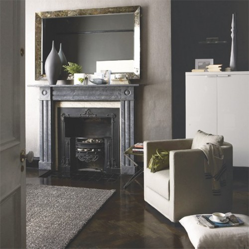 96_00000e2ad_631e_orh550w550_Moody-grey-living-room-Ideal-Home.jpg