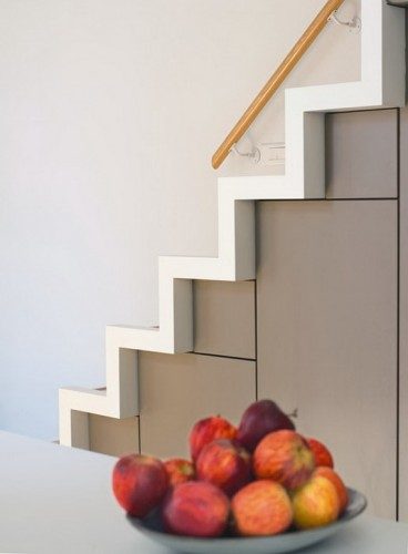 space-saving-and-stylish-stairs-design-idea-4_.jpg