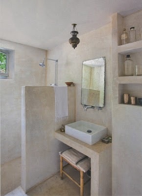 Tadelakt-Moroccan-inspired-bathroom.jpg