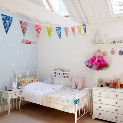 Fun-coastal-childrens-room.jpg