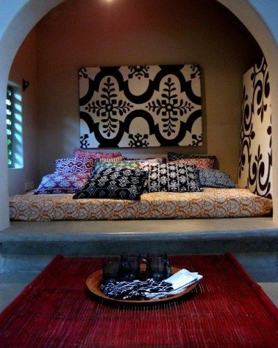afro bed room.JPG